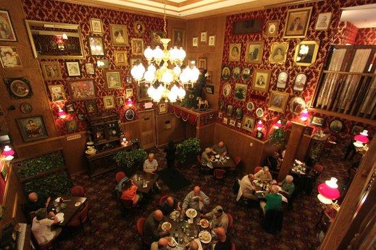 Ruby House Restaurant: nice decor