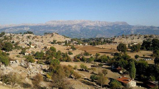 Selge Ruins: le village depuis le théâtre