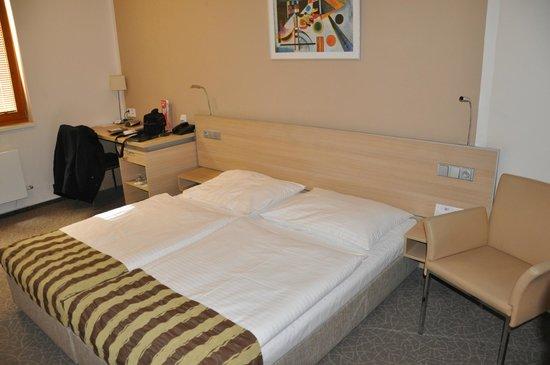 BEST WESTERN Hotel Pav : chambre