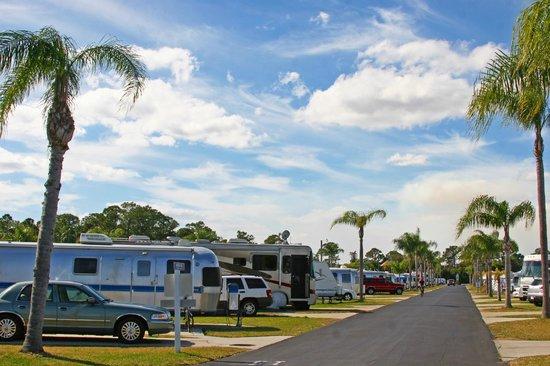 LAND YACHT HARBOR RV PARK - Campground Reviews (Melbourne, FL