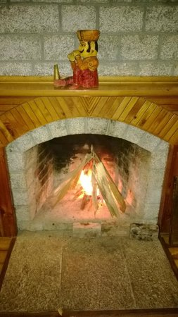 Wood Valley Cottages : Fire Place