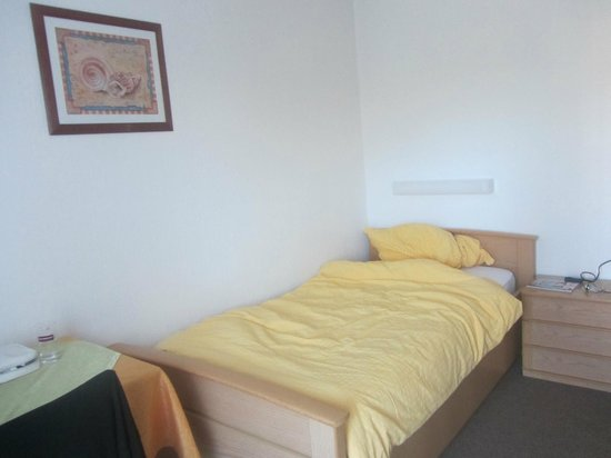 Gästehaus Gisela: le lit avec une bonne literie