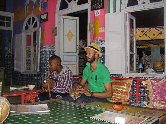 Rainbow Marrakech Hostel: Música
