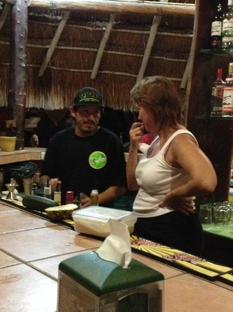 Lido Club de Playa: Learning to make the Lido Cocktail