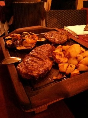 Ristorante GrillHouse Teatro: heerlijk angus steak