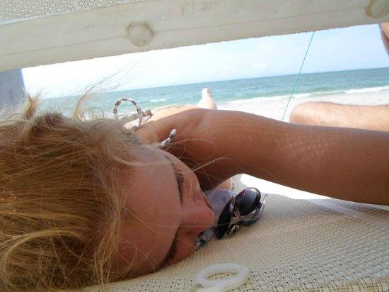 Hotel Windsurf Paradise: Pronta para receber uma massagem de uma tica massagista de praia. Em El Yaque - Isla Margarita!
