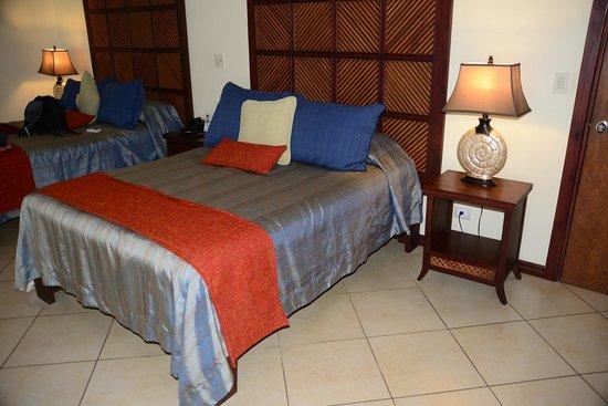 Hotel Bosque del Mar Playa Hermosa: The bed