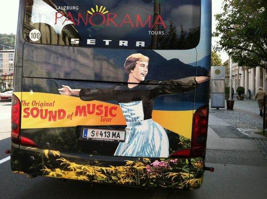 Panorama Tours - Salzburg: tour bus