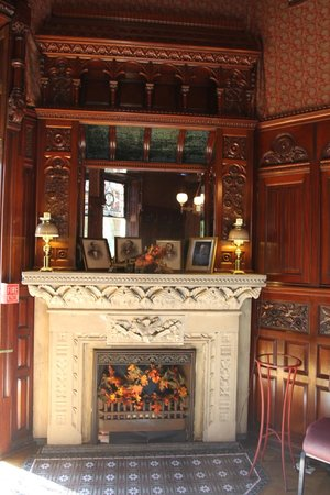 Libations Lounge : Wonderful architecture inside the mansion