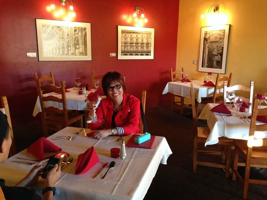 Dan's Bistro: The ambiance is upbeat!