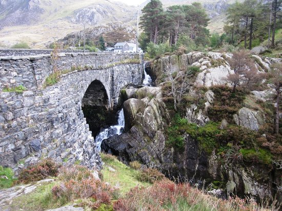 Boutique Tours of North Wales: Snowdon valley