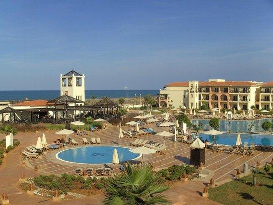Be Live Collection Saidia: Blick vom Zimmer auf Pool und Strand