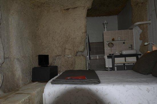Les Troglos de Beaulieu: chambre le pressoir