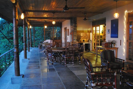 Rangala House: Outdoor dining area