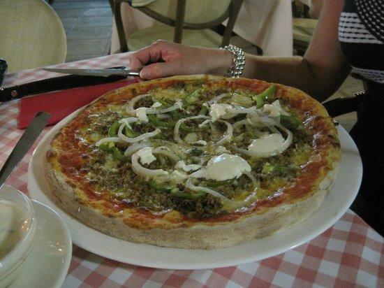 Ristorante Pizzeria BBQ Steakhouse La Fontanella : grandiose pizza