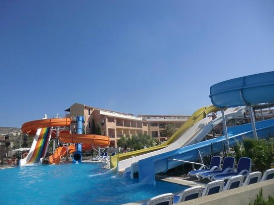 Ephesia Holiday Beach Club : activity pool with slides