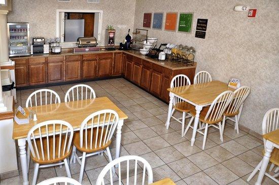 Comfort Inn Cedar Park: Better than a continental breakfast