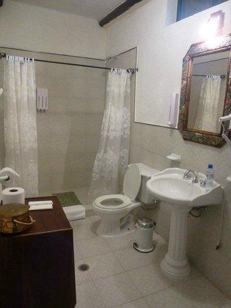 Casa de hacienda Su Merced: Bathroom in Stable Room