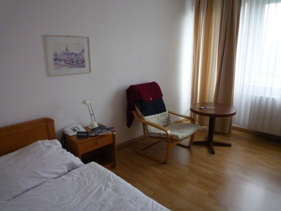 Novum Hotel Ravenna Berlin Steglitz: Zimmer