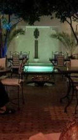 Riad Dar Dialkoum: The Courtyard