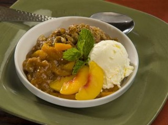 Canyon Breeze Restaurant: Peach Crisp