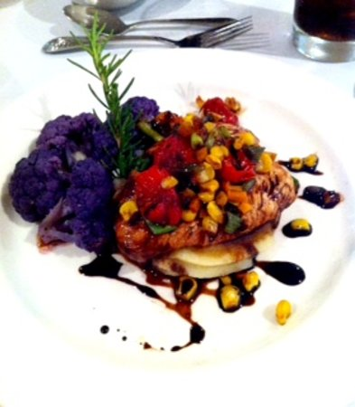 Canyon Breeze Restaurant: Blue Corn Crusted Chicken