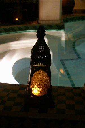 Riad Limouna: magie du bassin