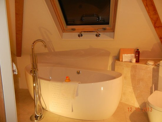 Hopton House Bed and Breakfast: Bath