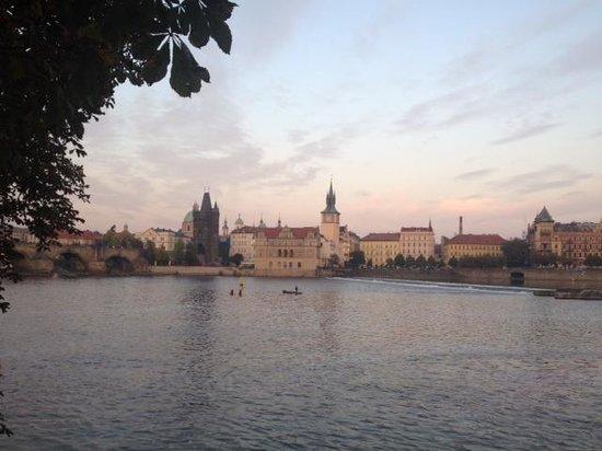 Mandarin Oriental, Prague : Quick Stroll to the river