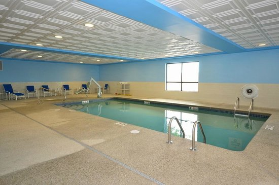 Brockton, Массачусетс: Indoor Heated Pool