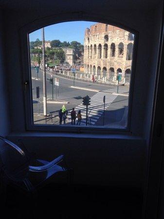 Relais No9 Colosseo : Vista sul colosseo