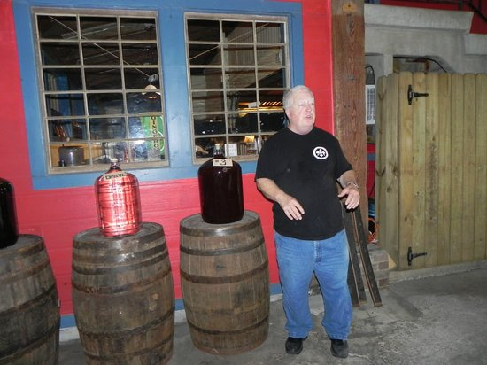 Old New Orleans Rum Distillery: Bob doing his thing.