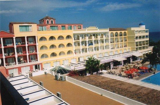 Mediterráneo Park: Hotel and Bar Paris from room 567