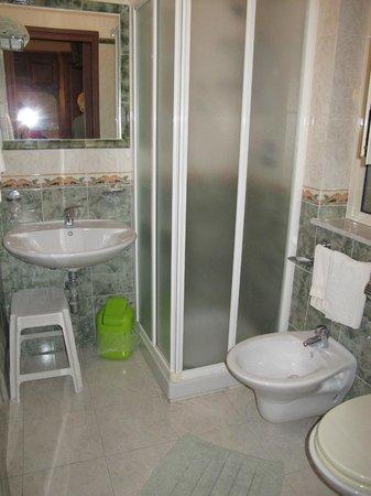 Hotel La Giara : The bath