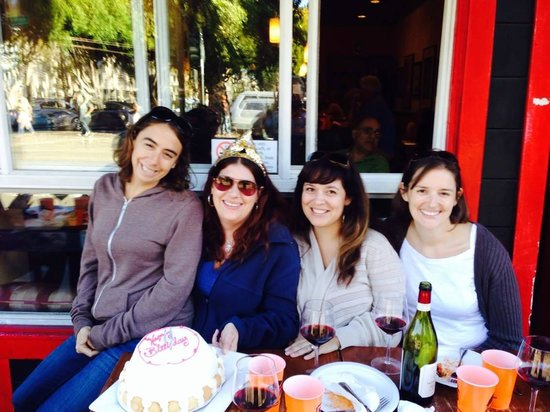 Local Tastes of the City Tours : Group pic - Birthday cake, wine & Italian food - Yum!