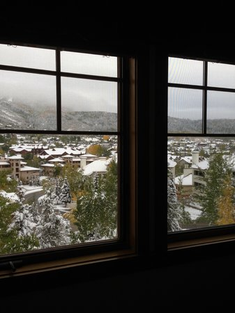 EagleRidge Lodge: View from kitchen windows