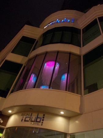 iclub Wan Chai Hotel: hotel regal I club - facciata - notte