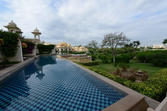 The Oberoi Udaivilas: Suites with private pool