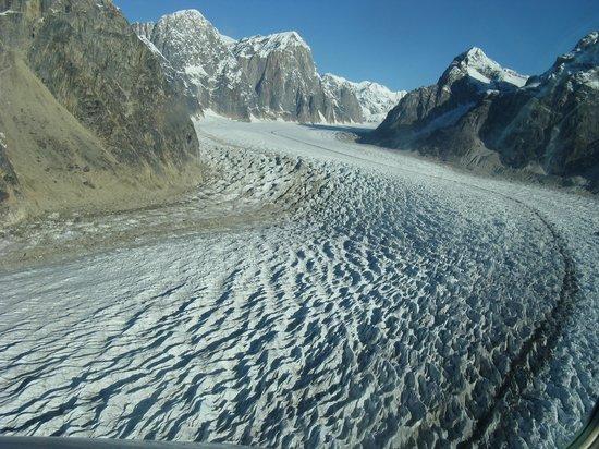 K2 Aviation: Glacier