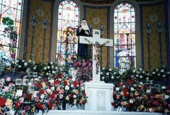Cassia, MG: igreja Sta Rita de Cássia, padroeira...