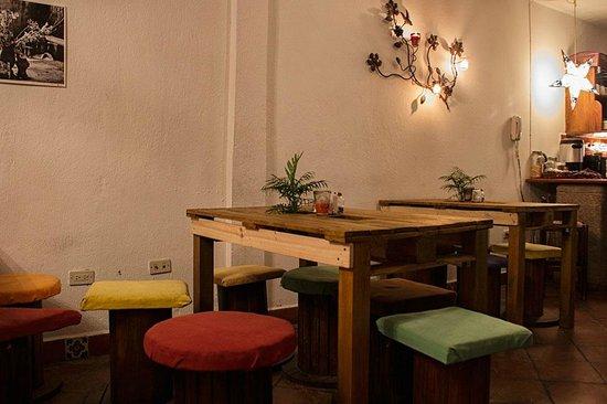 Mosaico Bistro Guatemala: Una del espacio restaurant