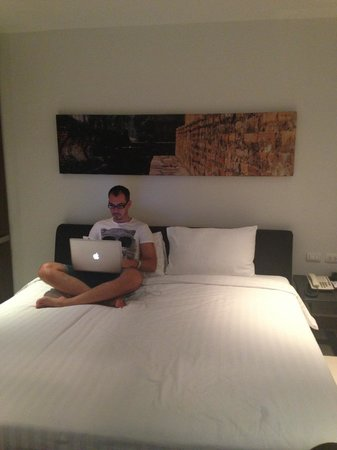 S33 Compact Sukhumvit Hotel : Номер