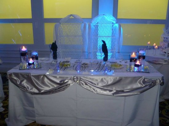 Radisson Hotel New Rochelle: Head Table Design
