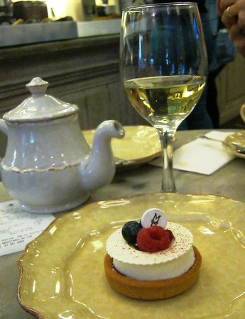 Mama Framboise: The raspberry  cake