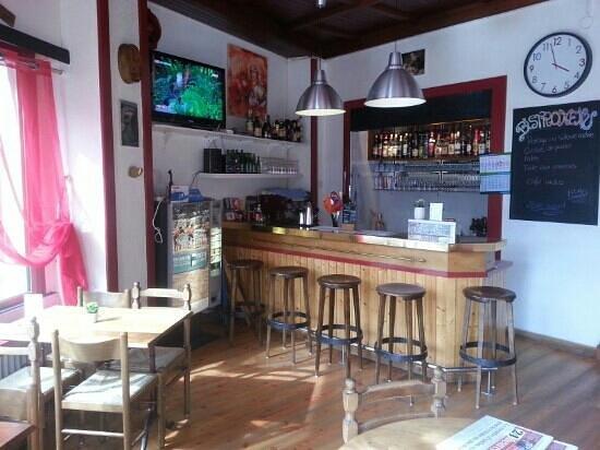 La Corsaz : petit bar sympa