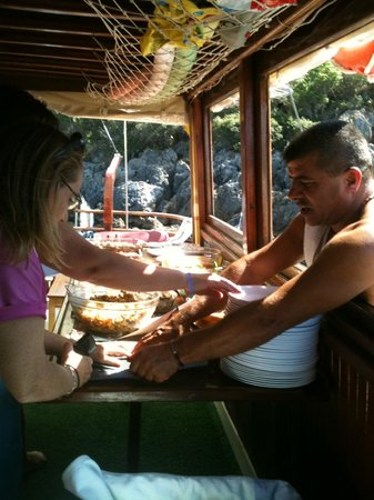 Sugar's Boat Tours: The cook captain