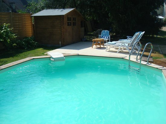 Gite La Samsonelle: Enjoy our Sunbay heated sunk-in swimming pool ( 7m x 5 m)
