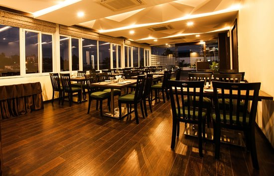 Courtyard - Rooftop Restaurant at J Hotel: Dining Area
