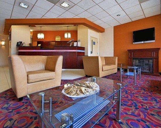 Best Western Plus Reading Inn & Suites: Lobby