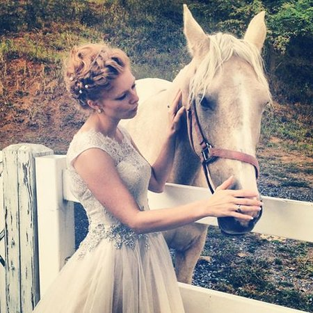 Pleasant View Farm Bed and Breakfast Inn: A September bride